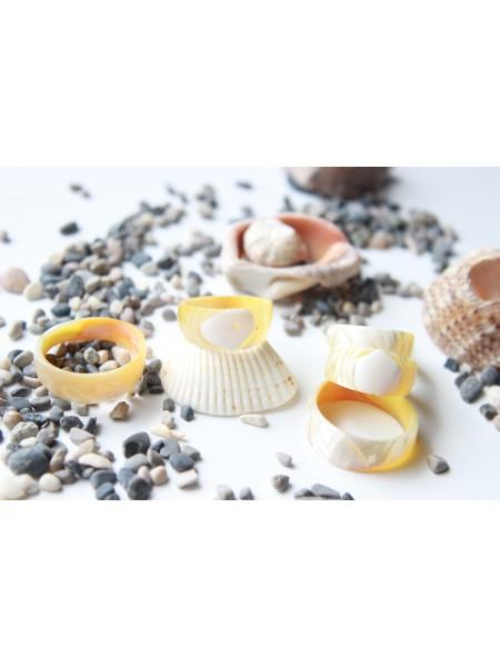 Кольцо из морской раковины (перламутр) (KGS0091)