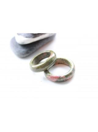 Кольцо из унакита (KGS0114) 5мм
