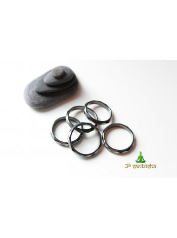 Кольцо из гематита (KLU0036) 3,5 мм граненное