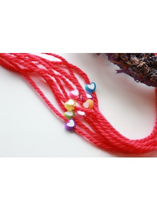Защитная красная нить с сердечком ( BR0069)
